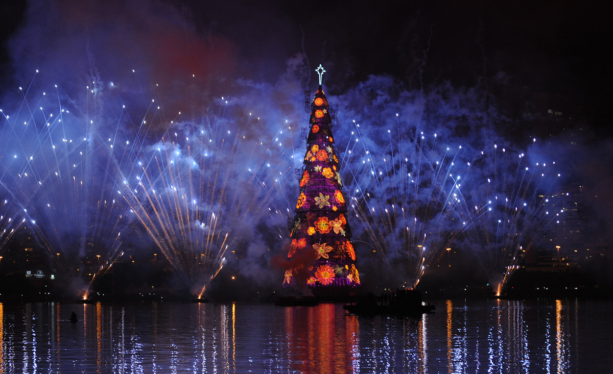 rio de janeiro a huge floating christmas tree is being inaugurated in rodrigo de freitas lagoon in rio de janeiro the capital city of brazil - Largest Christmas Tree