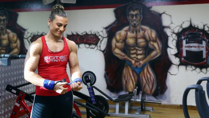 Female bodybuilder from Arabia looks abroad for recognition