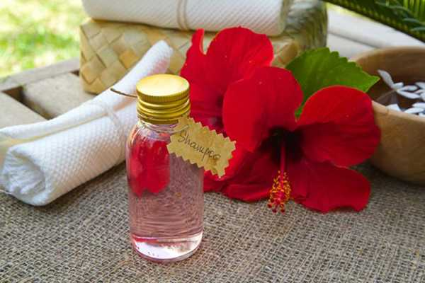 Try-hibiscus-infusions-to-fight-dandruff-naturally4